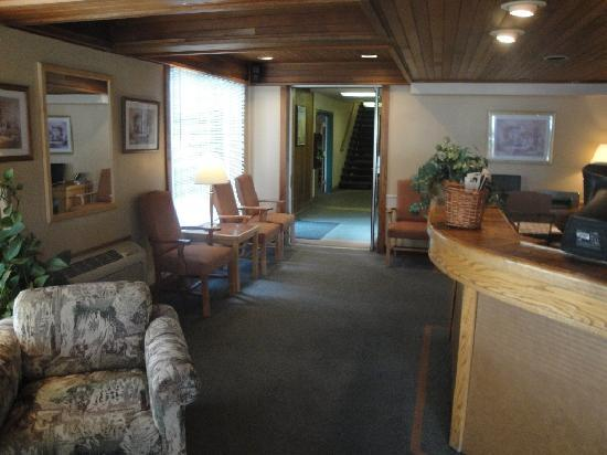 La Grande Inn: Lobby