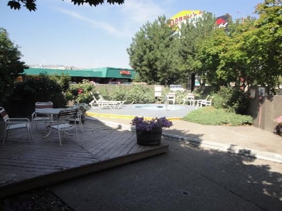 La Grande Inn: Pool area