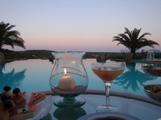 Hotel Petra Bianca: Festa in piscina