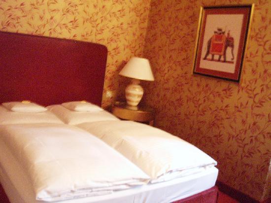 Romantik Hotel das Smolka: bed