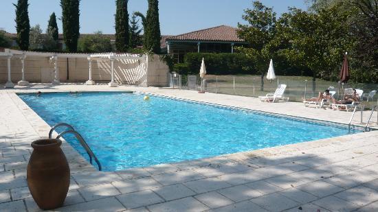 Le Domaine de la Reynaude: La piscine
