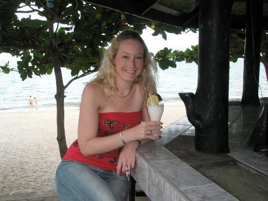 วีคเอนเดอร์ รีสอร์ท: Beachside bar