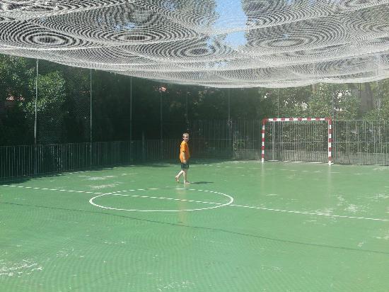 H10 Mediterranean Village : the football pich.