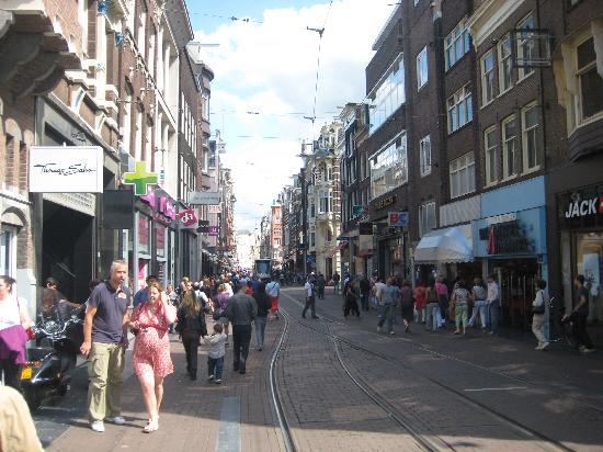 Maes B & B: Leidseplein Area, great cofee Shops