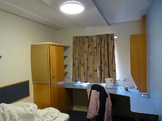 Weston Hall: bedroom