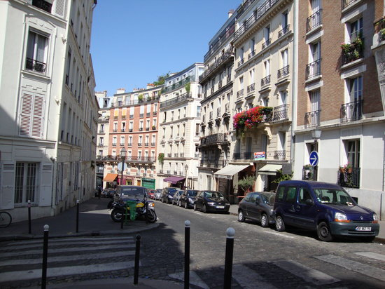 City Free Tour :                                     monmartre