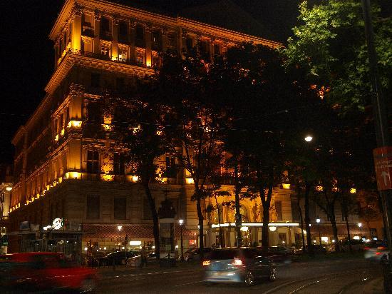 Hotel Imperial Vienna: hotel facades at night.