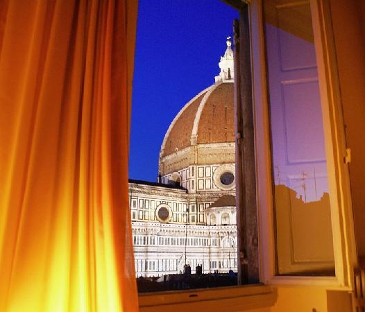 Hotel Villani: The view from your pillow in Room 43