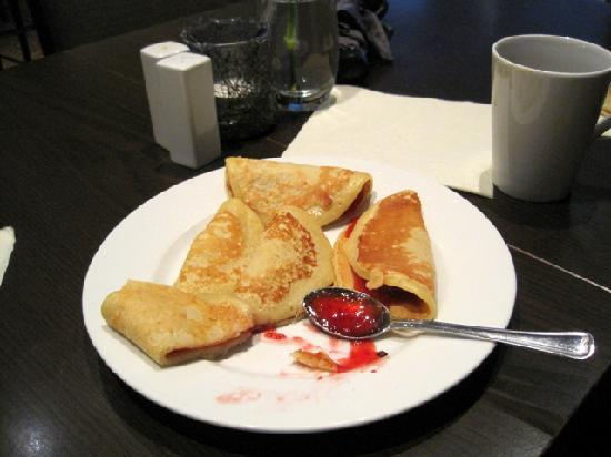 Clarion Collection Hotel Havnekontoret: free afternoon waffles
