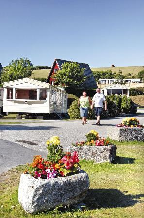 Riverside Holiday Park: caravan
