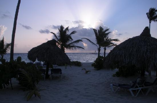 Luxury Bahia Principe Ambar Blue: Le lever du soleil le 15 août 2009
