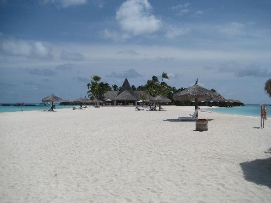 Veligandu Island Resort & Spa: Sand spit