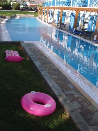 Mitsis Rinela Beach Resort & Spa: Surprising Extra Pool