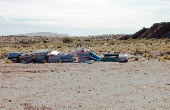 Americas Best Value Inn Green River : Old beds discarded behind hotel.
