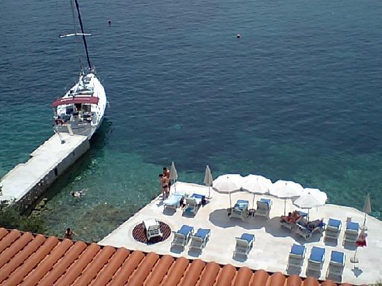 Hotel Bozica: ホテルの船着き場です