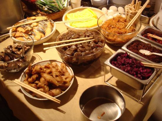 โรงแรมเอโดะยะ: colazione locale