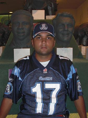 Canadian Football Hall of Fame & Museum: me in the middle of argos greatness