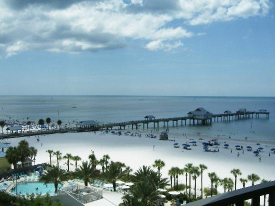 Hilton Clearwater Beach Resort & Spa: View of Pier 60 & the beach from my room