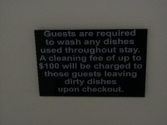 Lazy J Ranch-Americas Best Value Inn: Wash the dishes, or else!