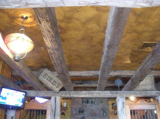 M. J. O'Connor's Irish Pub : The ceiling