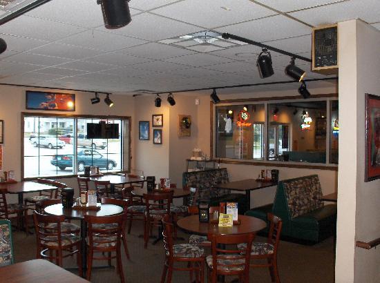 Sportsman's Park Bar & Grill: tables
