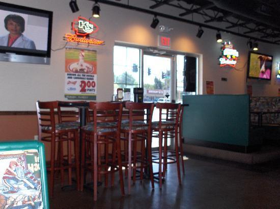 Sportsman's Park Bar & Grill: Bar 2