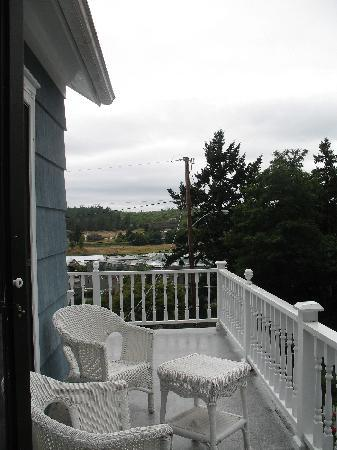 Katy's Inn: Upstairs deck