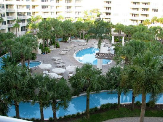 Destin West Beach and Bay Resort: pool area and lazy river