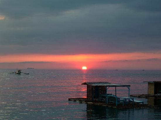 Lian, Philippines: Famous CBC Sunset