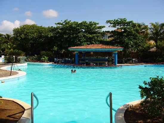 Hotel Riu Playacar: This pool was the hub of the animacion activities