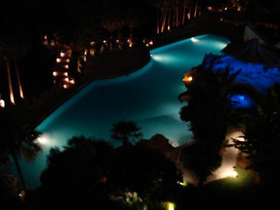 Eden Condominiums: The pool at night