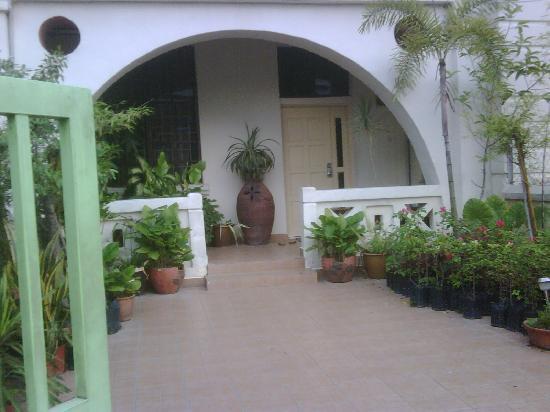 Sarang Galloway Bed & Breakfast: entrance