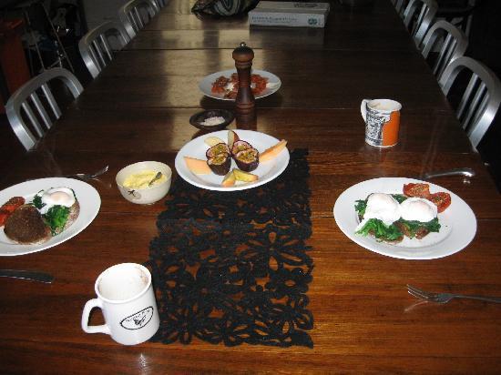 TARA Guest House: breakfast