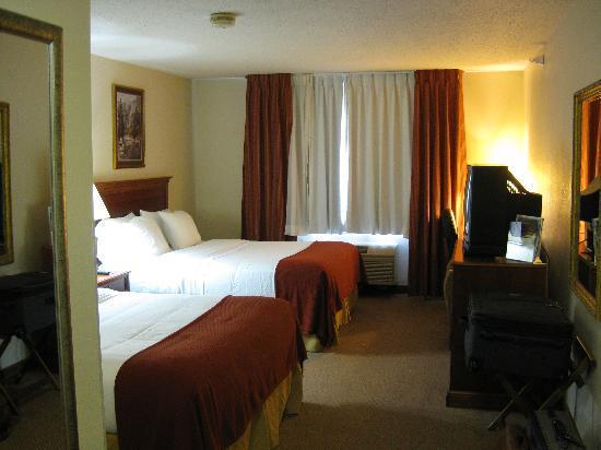 Holiday Inn Express Howe: view towards window