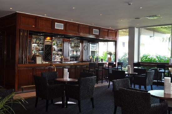 Holiday Inn Suva: Bar