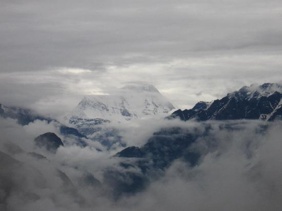 Auli, India: Clouds & Mountains