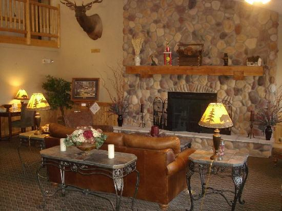 MountainView Lodge & Suites: American Lodge Lobby 2