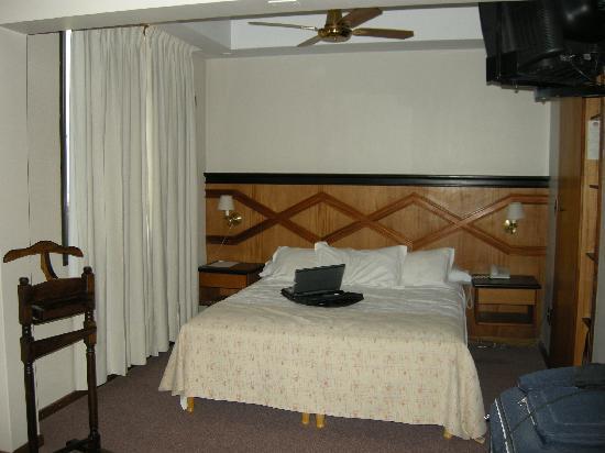 Internacional Hotel: habitación