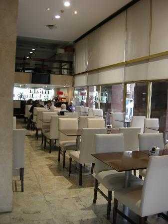 Majestic Hotel Rosario: área del restaurante-bar