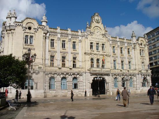 Cathedral Santander: Santander - city hall