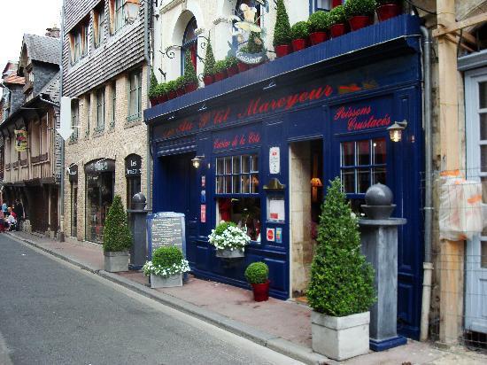 Au Petit Mareyeur: la façade du restaurant