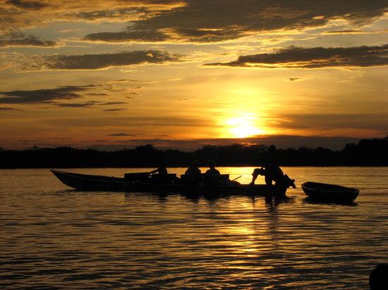 Cuyabeno Wildlife Reserve, الإكوادور: Sunset, Laguna Grande