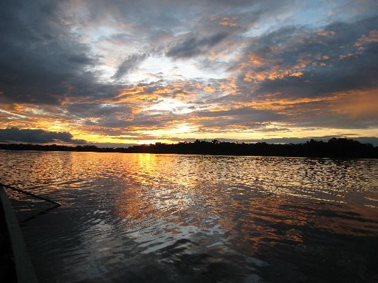Cuyabeno Wildlife Reserve, Ισημερινός: Sunset, Laguna Grande