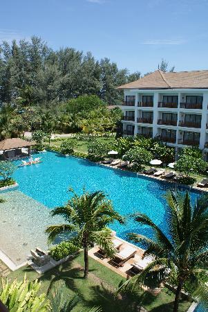 Naithonburi Beach Resort: Pool
