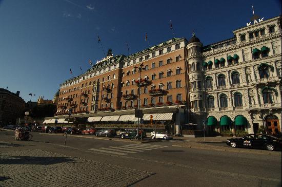 โรงแรมแกรนด์: Grand Hotel