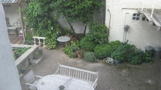 Absoluut Verhulst: View to the courtyard