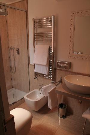 โรงแรมอัลตีเช ฟิกูเร: salle de bain suite
