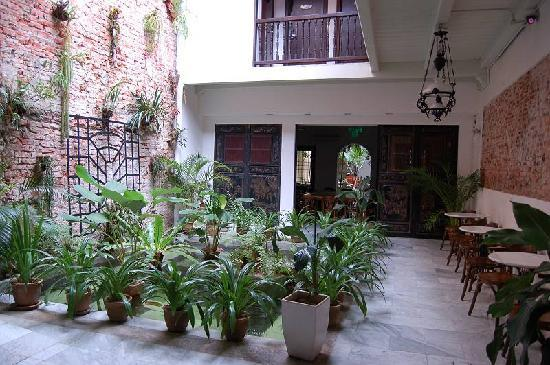 โรงแรมปูริ: 気持ちよい中庭