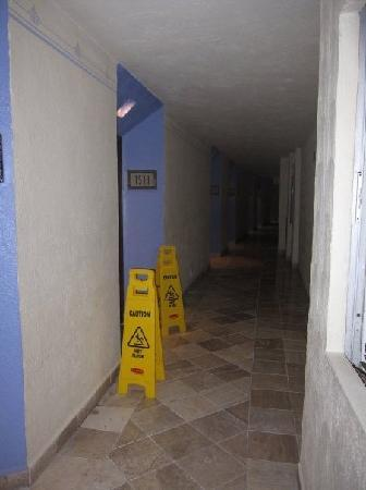 Hyatt Ziva Puerto Vallarta: Room 1511 in the main tower...this was their solution to the leak in the ceiling