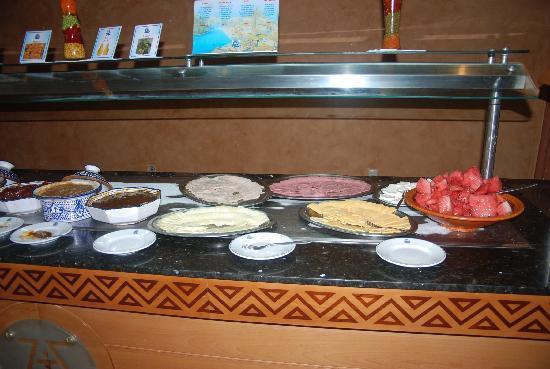 Zita Beach Resort: buffet